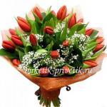 Букет из 29 тюльпанов и гипсофилы